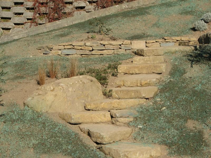 I nostri lavori per muri di contenimento e sostegno muretti e camminamenti a secco sassi - Scale in giardino ...