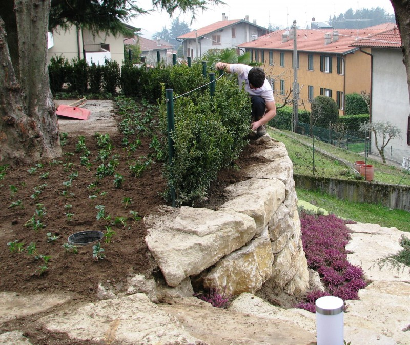 I nostri lavori per muri di contenimento e sostegno - Muretti da giardino ...